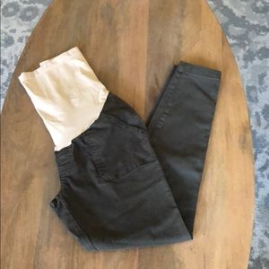 A Pea in the Pod Olive Green Maternity Cargo Pant